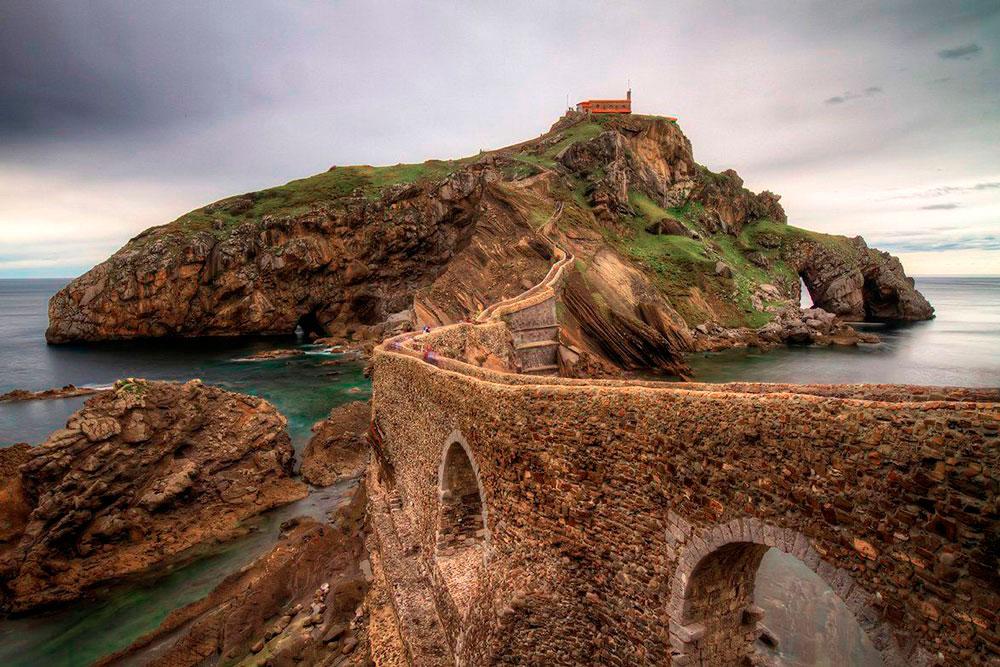 Сан Хуан де Гастелугаче, испания