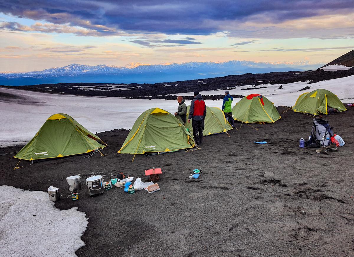 Лагерь у подножия вулкана Толбачик